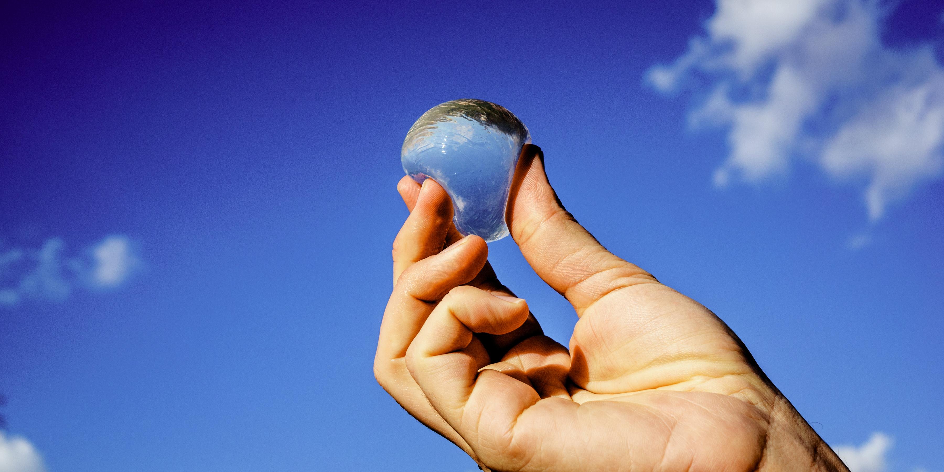 """未来の生活を支える""""藻類""""プラスチック"""