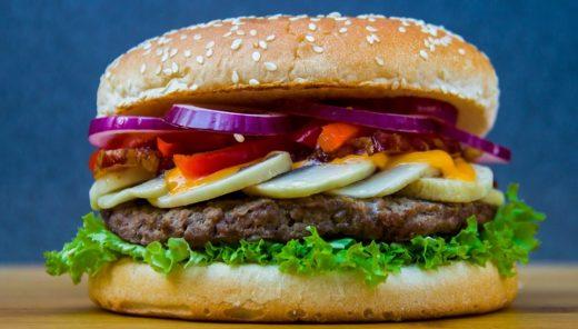 本物の肉に近づく植物肉市場に藻類が波乱を起こす?